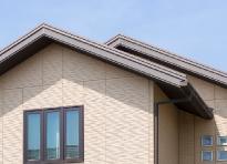 破風板と鼻隠しは現在は窯業系サイディングが使用されることが増えました