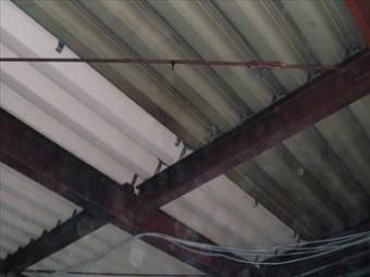 白錆が出ていた部分の屋根材を交換