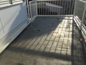 太田市台ノ郷でベランダ防水プライマー塗布後