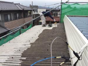 太田市台ノ郷でスレート屋根の下塗り1回目