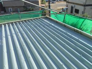 太田市台ノ郷でセッパン屋根の塗装工事完了