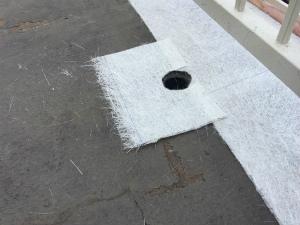 太田市台ノ郷でベランダ防水ガラスマットの加工