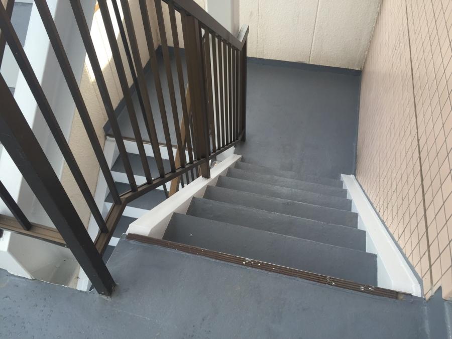前橋市三河町マンション階段塗装工事6