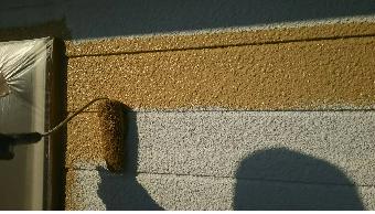前橋市荒子町M様邸外壁の中塗り
