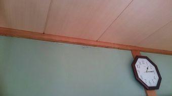 前橋市紅雲町室内壁雨漏り