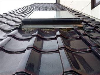 前橋市鶴ケ谷町下屋根天窓漆喰の状態