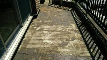 前橋市元総社町ベランダ防水下塗り完成後