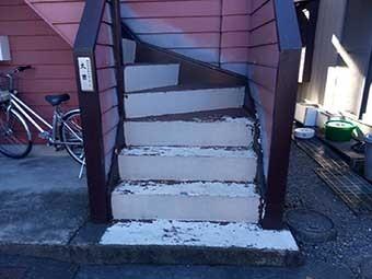 前橋市昭和町住宅外階段