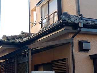 太田市宝町瓦漆喰点検玄関上