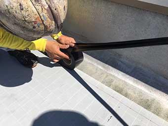 前橋市屋上防水 ジョイントテープ貼り付け 端部貼り付け