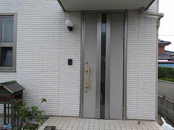 高崎市中居町玄関ドア交換前