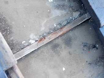 屋根雨漏り応急措置