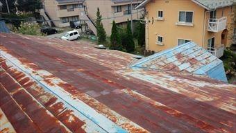 草津町H様邸ペンション屋根錆び 南側