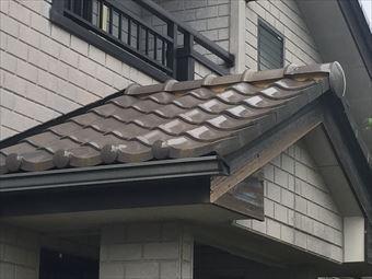 高崎市剣崎町破風板下屋根の漆喰の劣化
