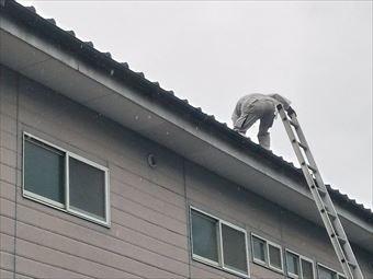 前橋市龍蔵寺アパート屋根調査風景