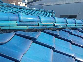屋根の頂上部分の歪み