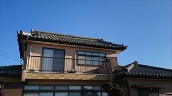 亀泉町瓦屋根の全景