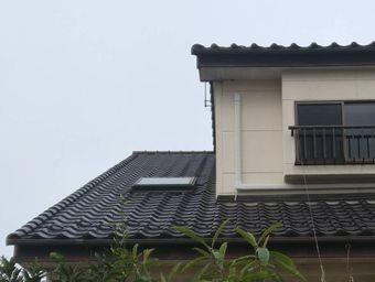 前橋市緑が丘屋根に天窓
