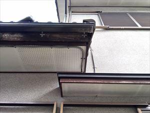 高崎市南陽台破風板塗装のはがれ