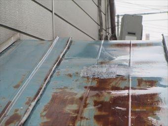 北群馬郡吉岡町トタン屋根のサビと破損状態