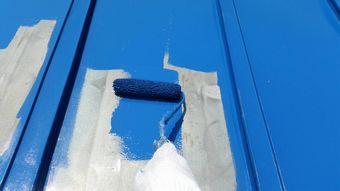 前橋市上泉町トタン屋根ローラーで塗装