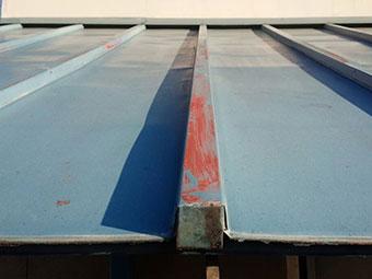 群馬 トタン屋根塗装工事 現場調査 サビ