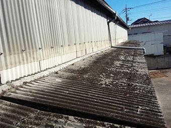 前橋芳賀工業団地の工場スレート波板劣化