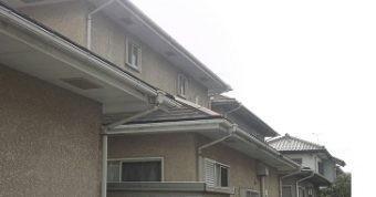 佐波郡玉村町白い出窓のあるお宅の裏手の下屋根