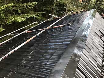 屋根上塗り吹き付け