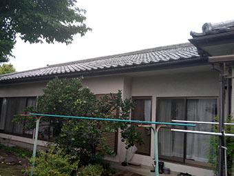 高崎市西島町 漆喰の詰め直しか棟瓦の取り直しか点検しました