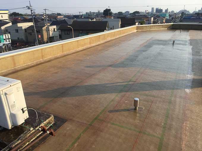 前橋市 ビル屋上FRP防水 二層目貼り付け後