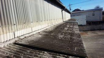 高崎市綿貫町工場傷んだ下屋根