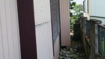 高崎市新町傷んだ外壁面