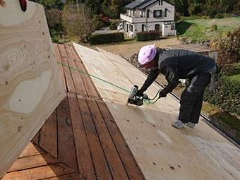 前橋市富士見町 屋根瓦葺き替え工事 野地板張り