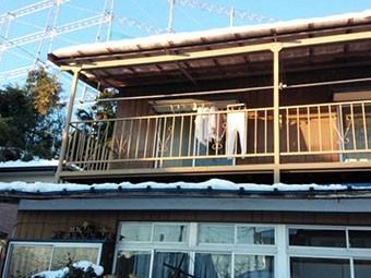 群馬 渋川 屋根に積雪