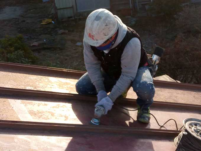 前橋市 トタン屋根 塗装工事 サンダー