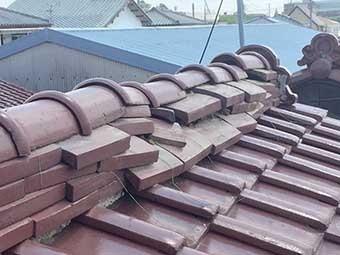 前橋市六供町屋根の棟瓦のズレ