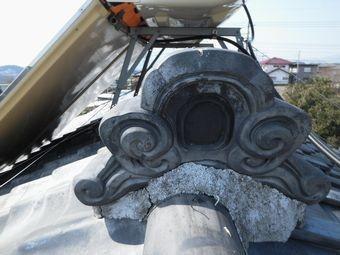 高崎市下里見町屋根鬼瓦漆喰の劣化