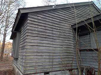 吾妻郡長野原町の別荘で木の外壁を水性ニューボンデンで塗装するお見積もりをします!