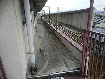 前橋市古市町マンション廊下