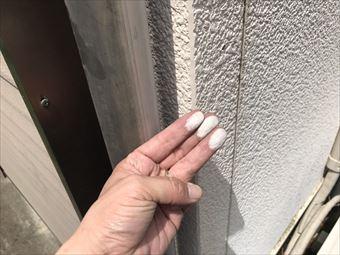太田市飯田町外壁チョーキング現象