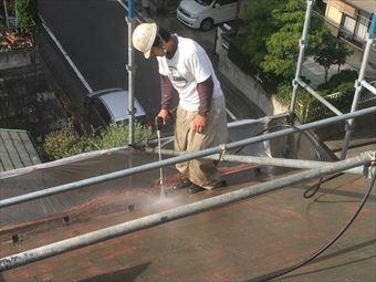 高崎市南陽台屋根洗浄洗浄中