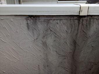 高崎市金古町サッシの下の外壁の汚れ