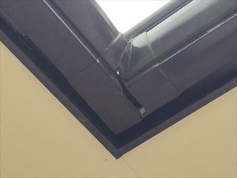 高崎市小八木町T様邸雨樋コーナーが割れています