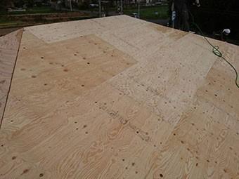 前橋市富士見町 屋根瓦葺き替え工事 野地板張り終了