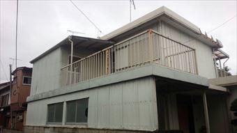 太田市韮川町より外壁と屋根の塗装、パラペット板金修理のお見積もりです。