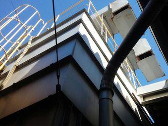前橋市天川大島町H工場タンク塗装前下から見た