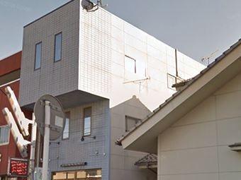 三階建て建物外観