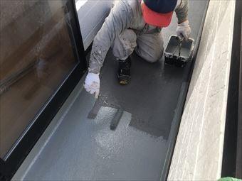 前橋市岩神町ベランダ防水上塗り塗装