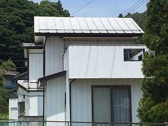 沼田市利根町建物南側
